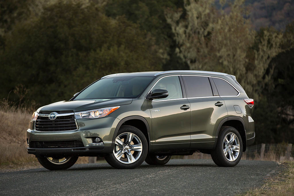 The Toyota Highlander Hybrid Is the Greatest All-Around Car on the Market