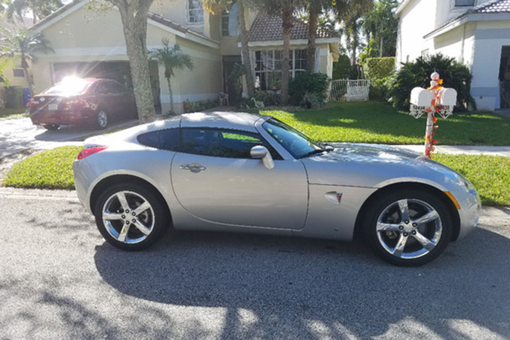 Yes, There's a Pontiac Solstice Coupe