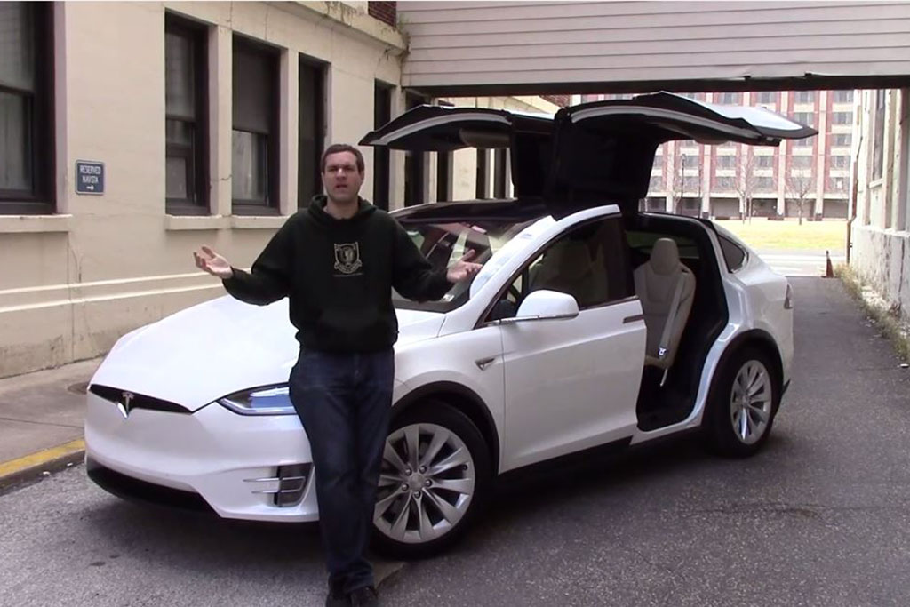 Here's Why the Tesla Model X Is (Not) an Awful Car