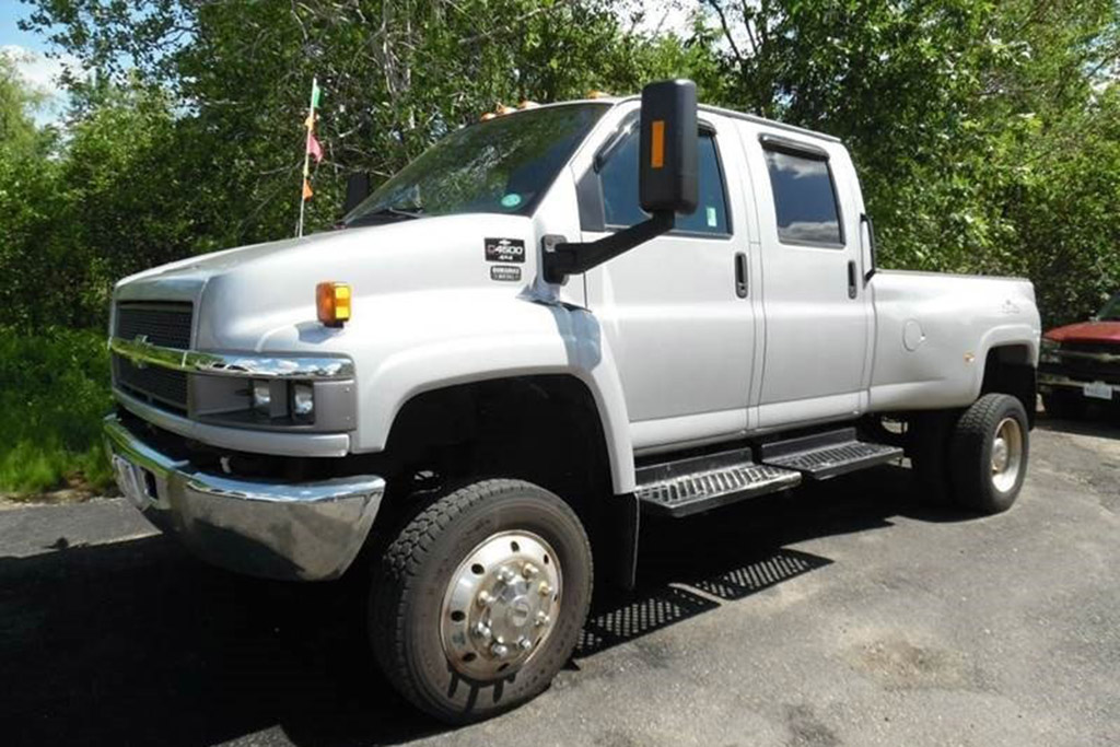 The Chevy Kodiak and the GMC TopKick Are the American Pickups You've Never Heard Of