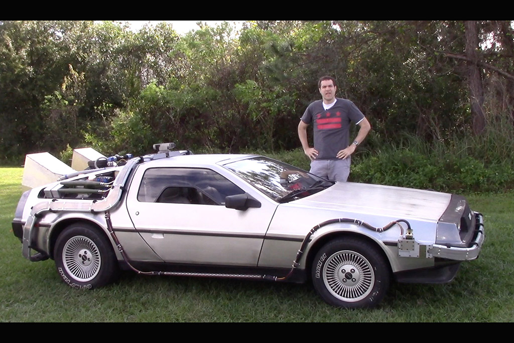 Here's What It's Like to Drive a DeLorean Time Machine