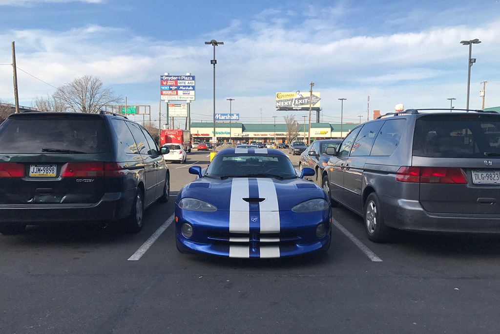 Fact: The Dodge Viper Has More Ground Clearance Than the Honda Odyssey