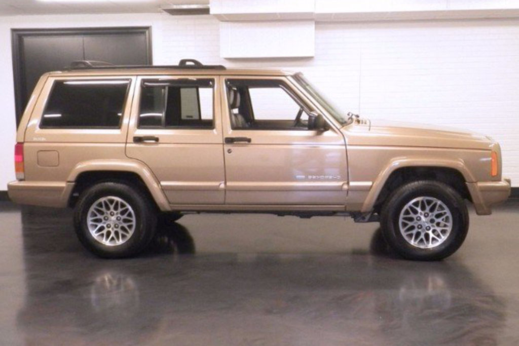 Jeep Cherokee XJ: The Next Highly Collectible Old SUV?