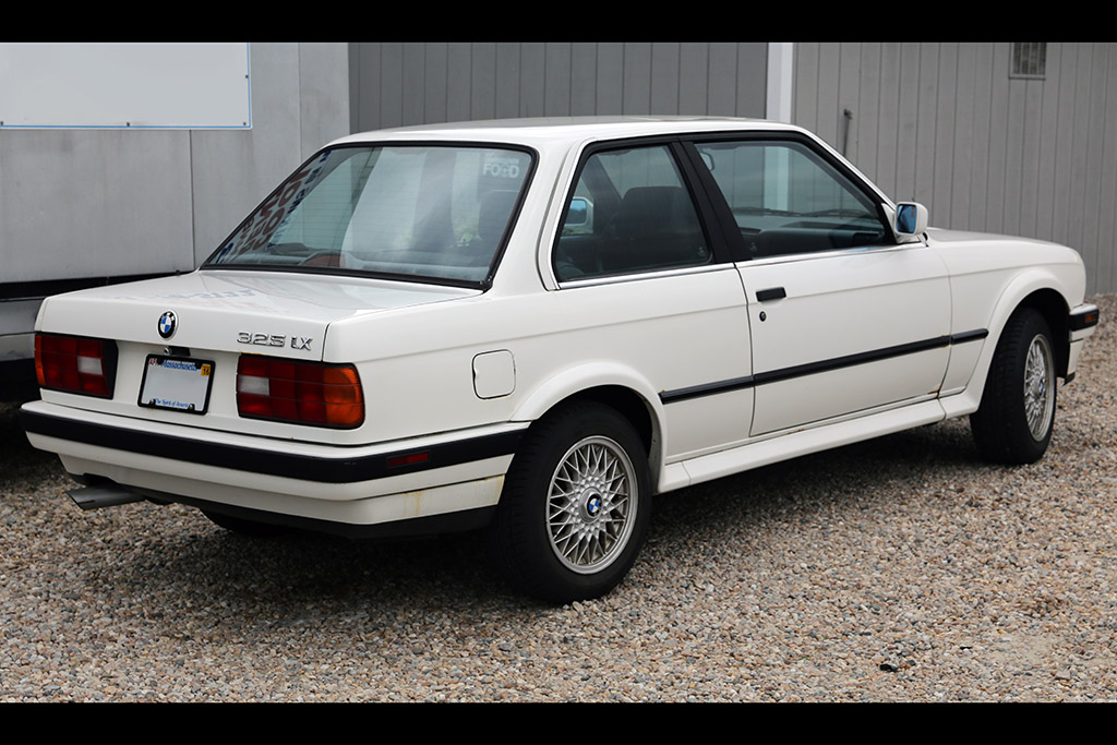 BMW 325iX: BMW's Little Known All-Wheel Drive Beginnings