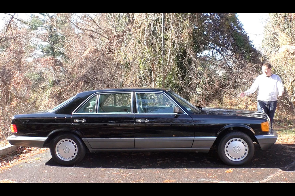 Here's a Tour of The Flagship Mercedes-Benz S-Class From 1991