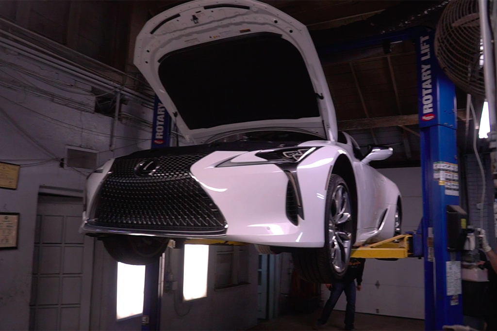Video | Here's a Quick Look Under the New Lexus LC 500