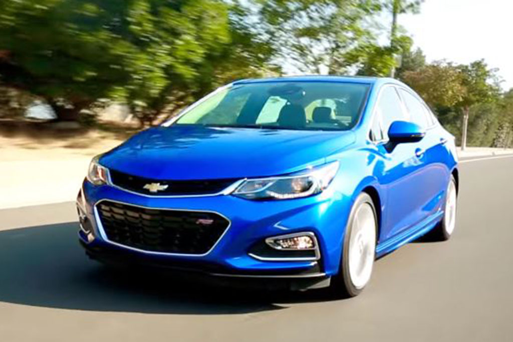 2016 Chevrolet Cruze: 5 Reasons to Buy - Video