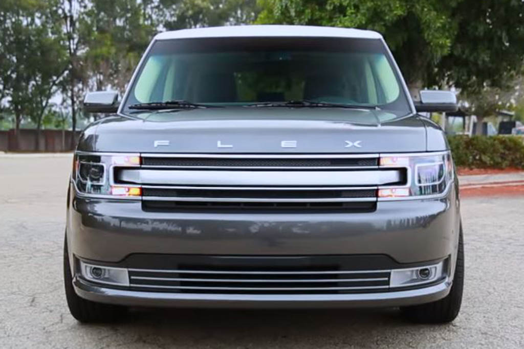 2016 Ford Flex: 5 Reasons to Buy - Video