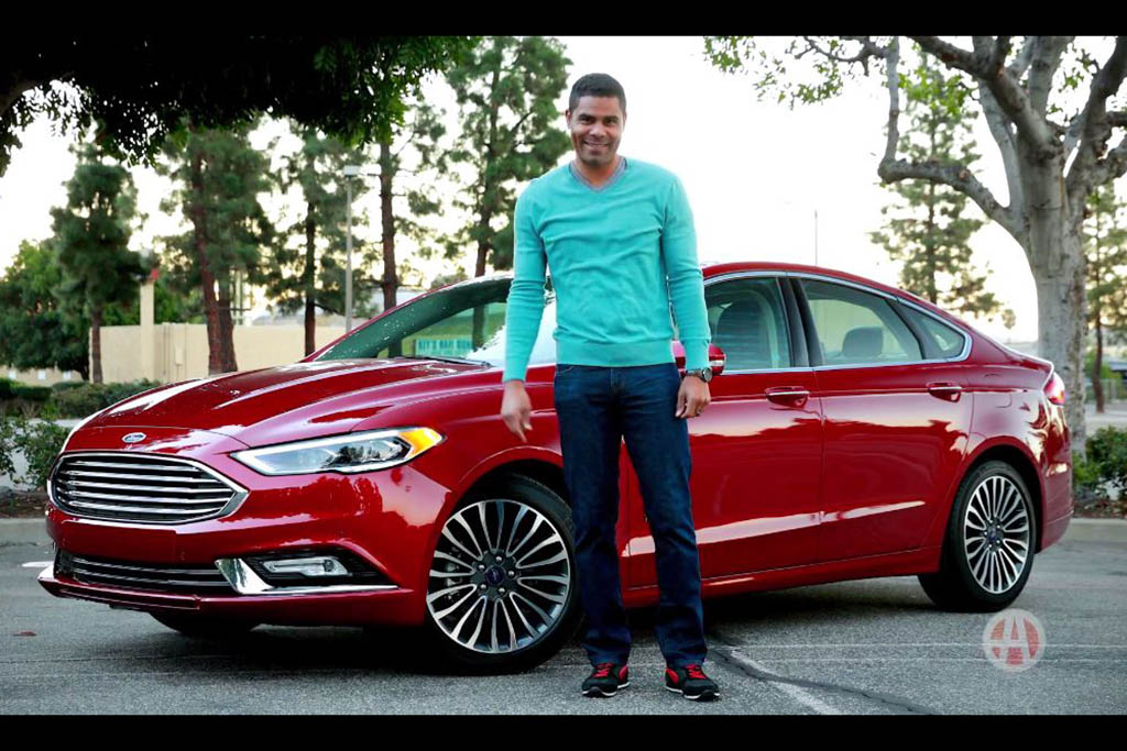 2017 Ford Fusion Hybrid: 5 Reasons to Buy - Video