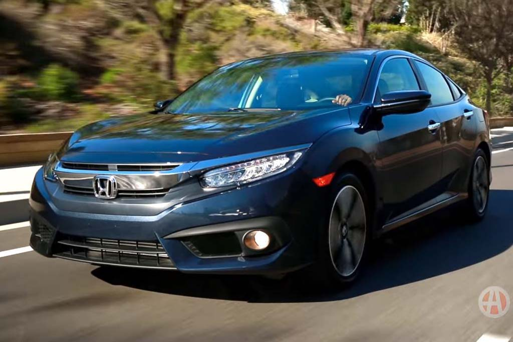 2016 Honda Civic: 5 Reasons to Buy - Video