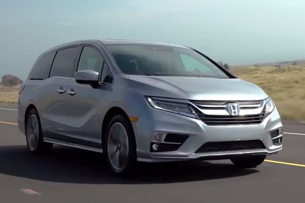 2018 Honda Odyssey: First Drive Review - Video