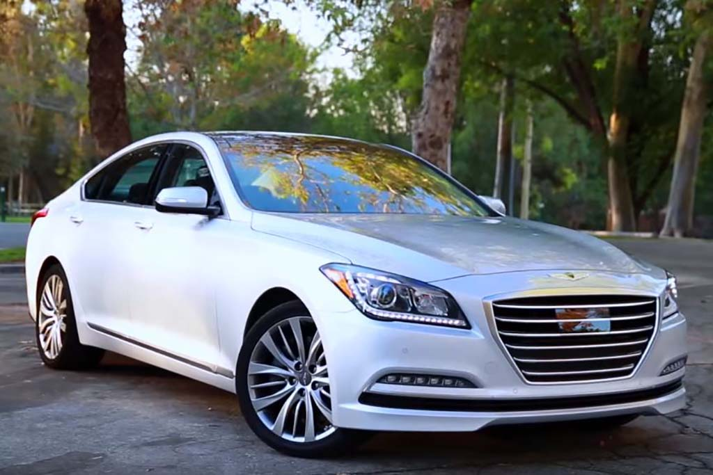 2016 Hyundai Genesis: 5 Reasons to Buy - Video