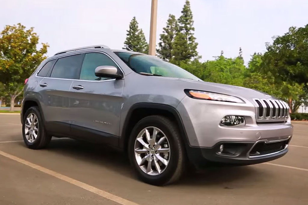2015 Jeep Cherokee: 5 Reasons to Buy - Video