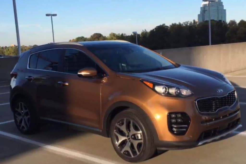 2017 Kia Sportage SX: Surprisingly Premium - Video