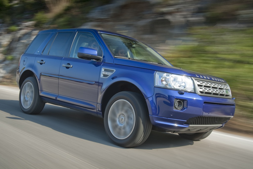 2012 Land Rover LR2: New Car Review