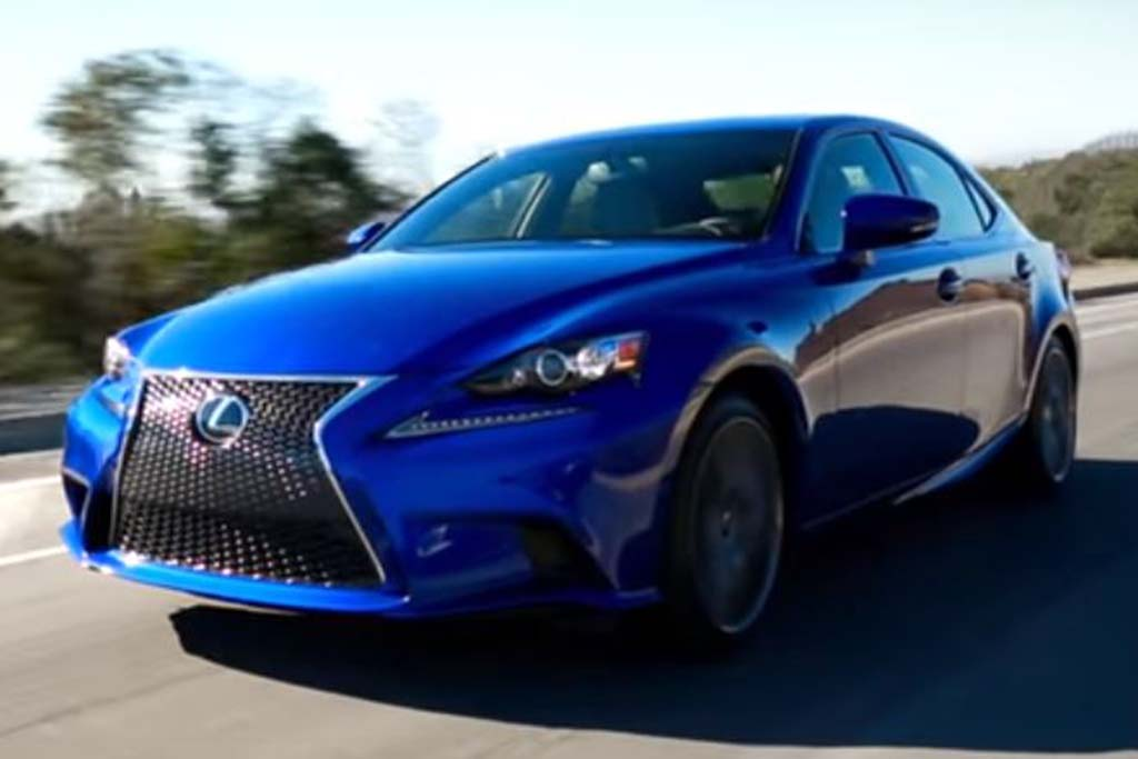 2016 Lexus IS: 5 Reasons to Buy - Video