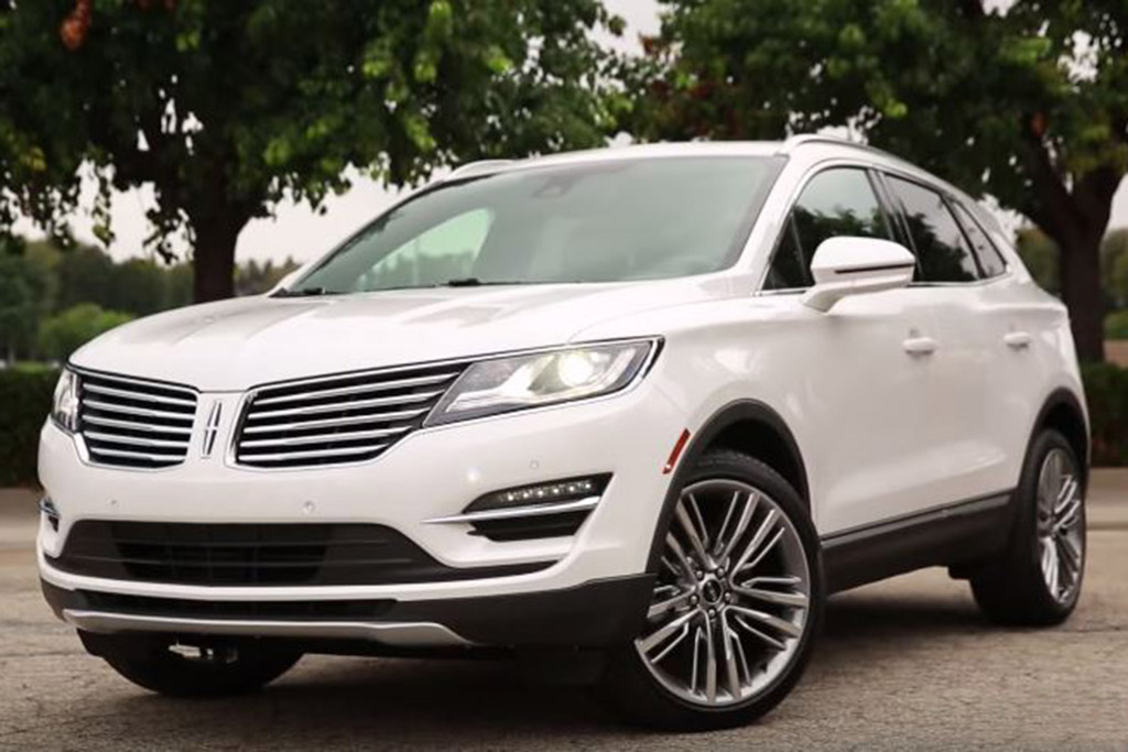 2015 Lincoln MKC: 5 Reasons to Buy - Video