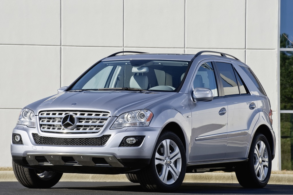 2011 Mercedes-Benz ML450 Hybrid: Overview