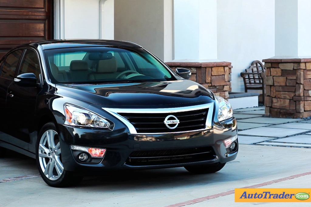 2013 Nissan Altima: 5 Reasons to Buy - Video