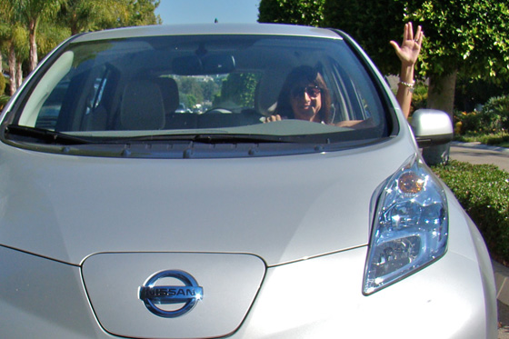 2011 Nissan Leaf: Questioning the Logic of the Leaf Salute