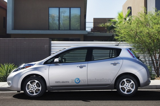2011 Nissan Leaf: Happy Birthday to Leaf