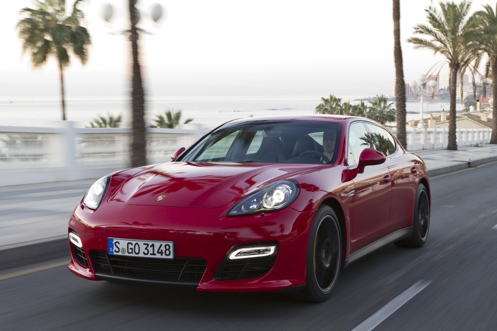 2013 Porsche Panamera: New Car Review