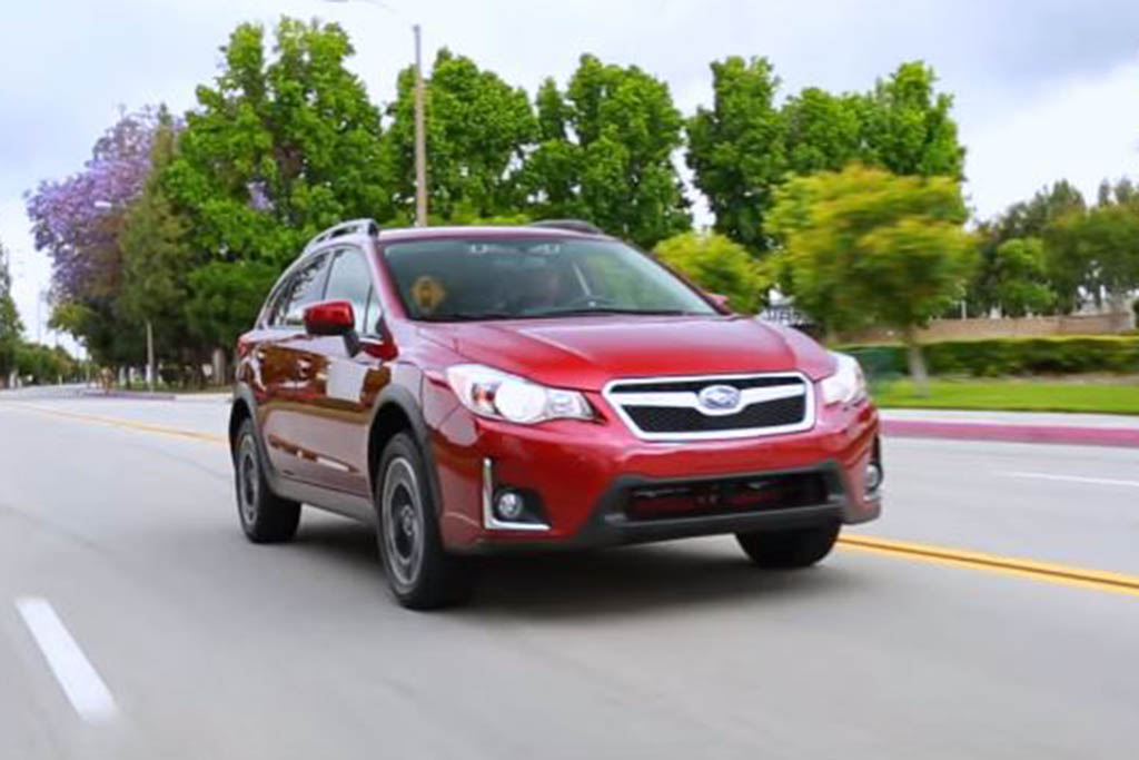 2016 Subaru Crosstrek: 5 Reasons to Buy - Video