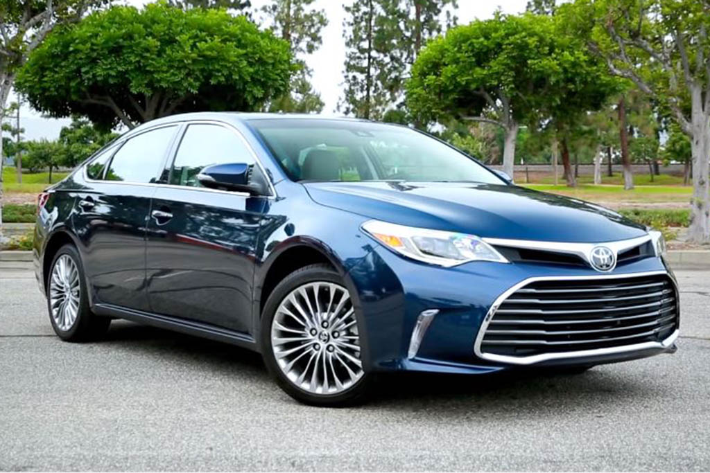 2016 Toyota Avalon: 5 Reasons to Buy - Video
