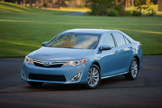 Camry Q&A: Are there any incentives for the Camry Hybrid? featured image large thumb0