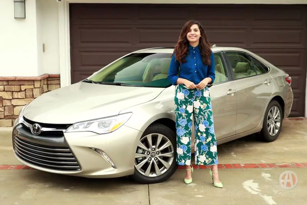 2017 Toyota Camry: 5 Reasons to Buy - Video