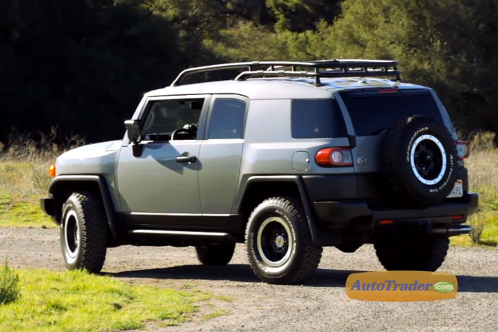 2013 Toyota FJ Cruiser: New Car Review Video