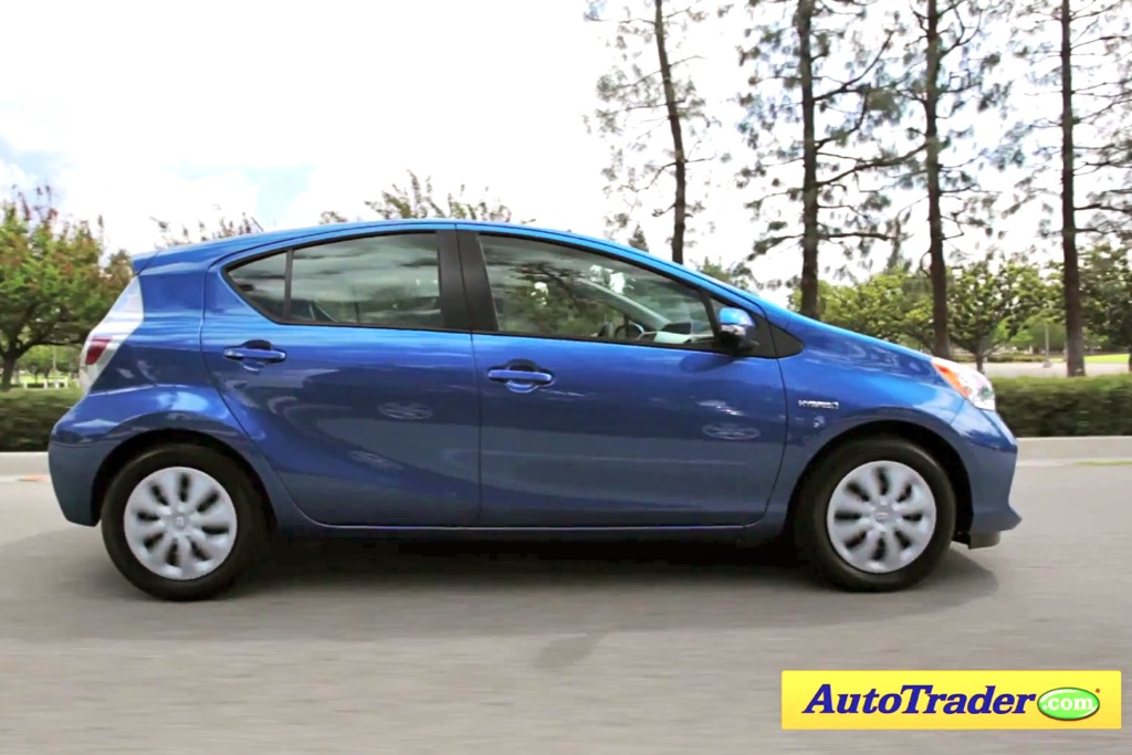 2012 Toyota Prius C: 5 Reasons to Buy - Video