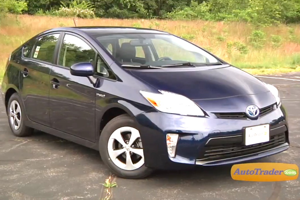 2012 Toyota Prius: New Car Review - Video