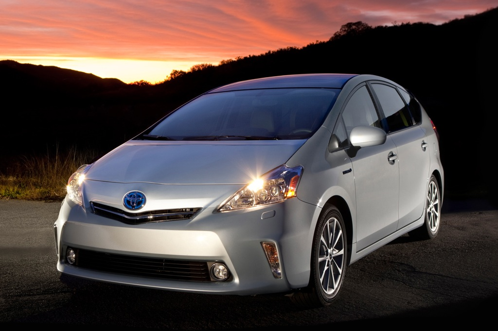 2013 Toyota Prius v: New Car Review