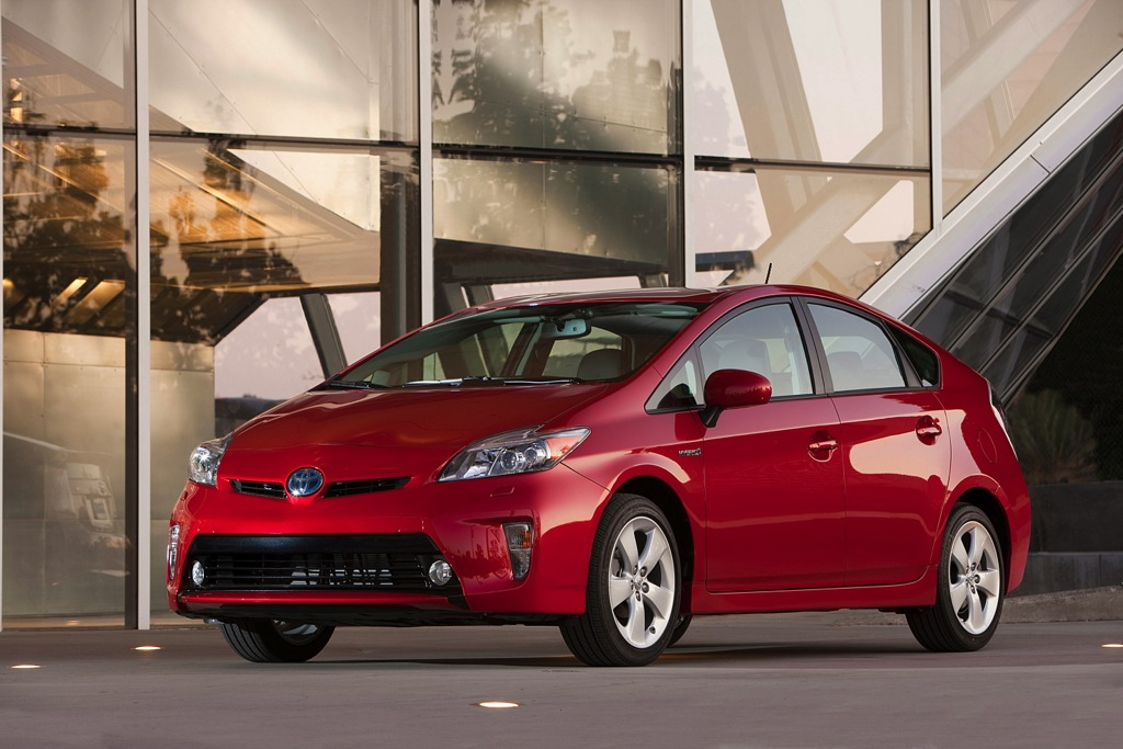 2013 Toyota Prius: New Car Review