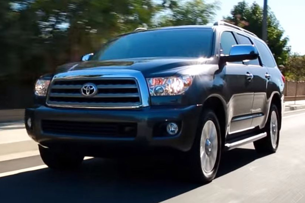 2016 Toyota Sequoia: 5 Reasons to Buy - Video