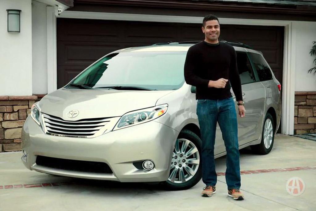 2017 Toyota Sienna: 5 Reasons to Buy - Video