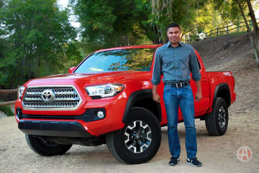 2017 Toyota Tacoma: 5 Reasons to Buy - Video