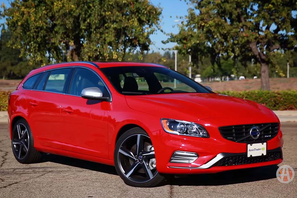 2016 Volvo V60: 5 Reasons to Buy - Video