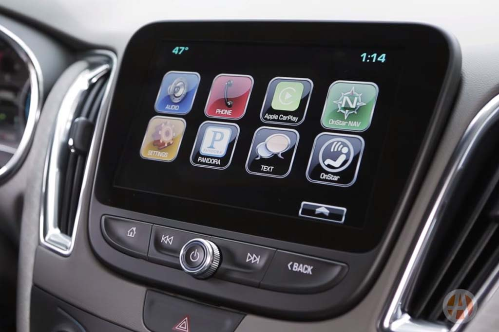 Apple CarPlay: New Car Technology - Video