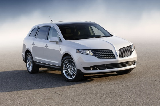 2013 Lincoln MKT - LA Auto Show featured image large thumb0
