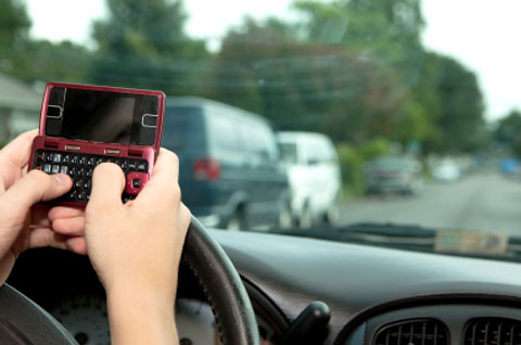Teen Driver Deaths Up - Stats Point to Talking and Texting featured image large thumb0