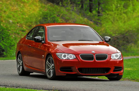 2011 BMW 335is: Somewhere Between a 3-Series and an M3 featured image large thumb0