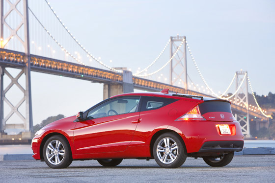 A New Hybrid Coupe on the Scene: The 2011 Honda CR-Z featured image large thumb3