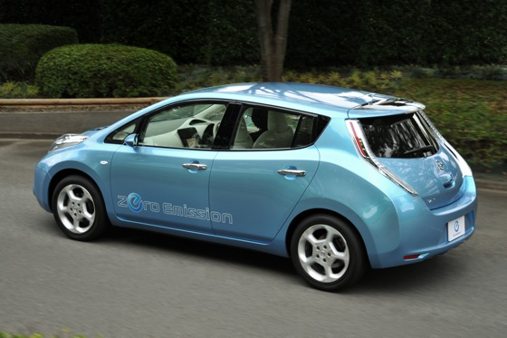 Back to the Future: First Drive of the All-Electric 2011 Nissan Leaf featured image large thumb0