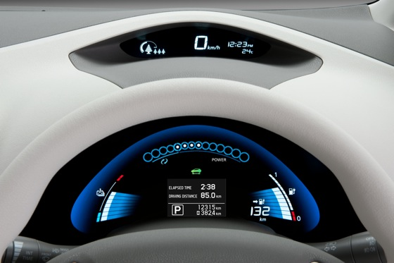 Back to the Future: First Drive of the All-Electric 2011 Nissan Leaf featured image large thumb15