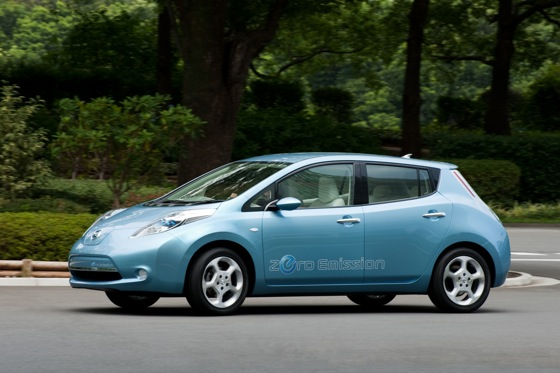Back to the Future: First Drive of the All-Electric 2011 Nissan Leaf featured image large thumb1