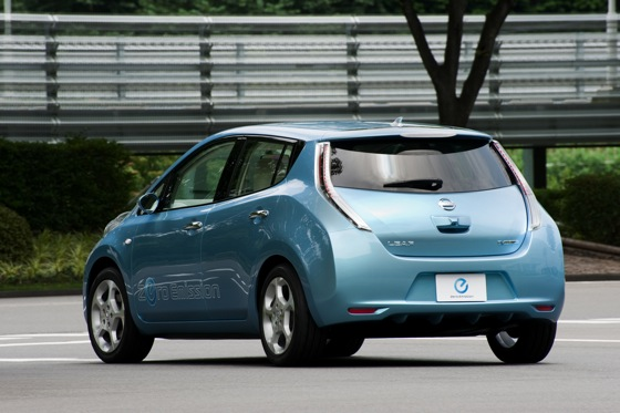 Back to the Future: First Drive of the All-Electric 2011 Nissan Leaf featured image large thumb2