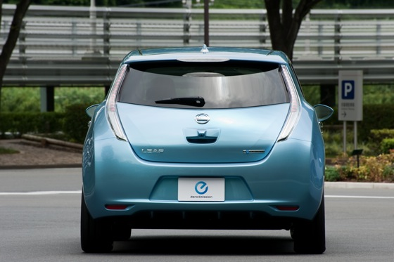 Back to the Future: First Drive of the All-Electric 2011 Nissan Leaf featured image large thumb3