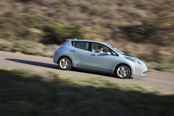 Back to the Future: First Drive of the All-Electric 2011 Nissan Leaf featured image large thumb7